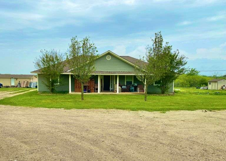 Grimes County Home on 5+/- Acres