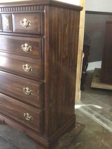 Vintage Pine 5 drawer chest dresser