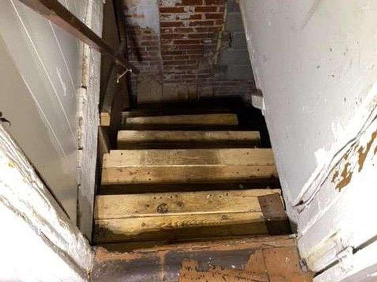 1922 Cecil Ave. Baltimore, MD 21218