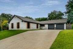 Hunsley Hills Home