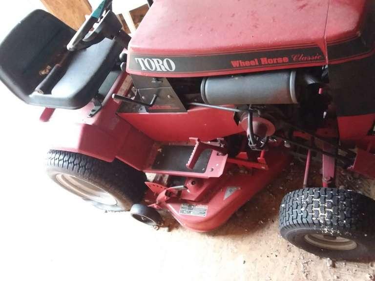 Toro Wheel Horse Classic Tractor, Untested, Kohler Magnum 10, 310-8 Speed
