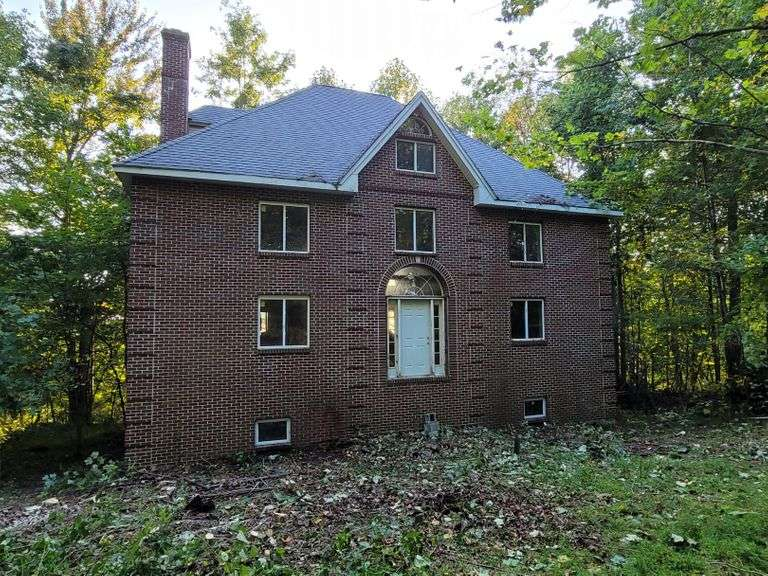 ABSOLUTE AUCTION - The Eriks Lickums Estate