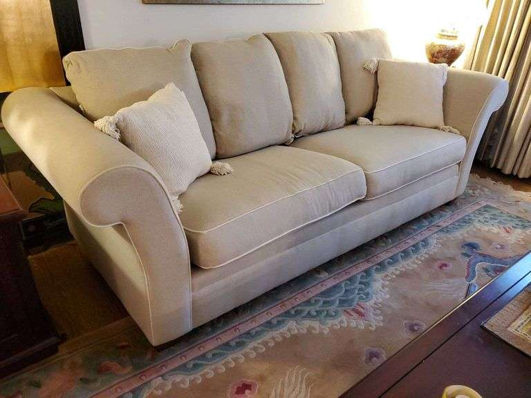 Online Auction. Estate of Laurencia Schindell Fine Furnishings, Decor, Glassware, Collectibles, Holiday, and More.