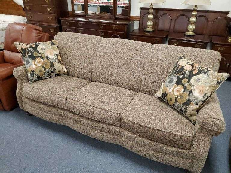 Quality Furniture for every room, Garfield & Other Collectibles, Stamps, Glassware, Jewelry, Decor, NORTH LIMA, OH