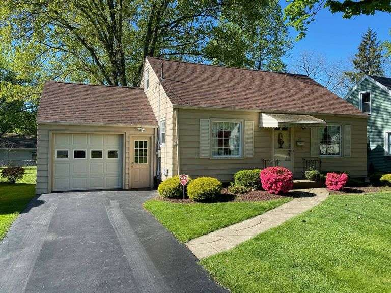 UNDER CONTRACT WITHIN HOURS of hitting the market! Real Estate Auction: 129 ARGYLE AVE, YOUNGSTOWN, OH