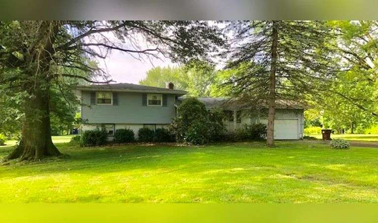 Real Estate in South Range School District, 3BR, 2BA Home on 2 Acres