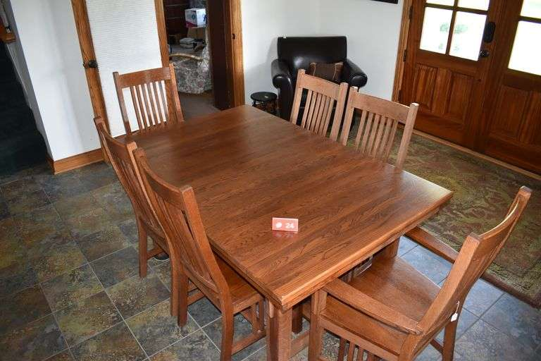 Solid Oak Dining Room Table w/ 6 Chairs