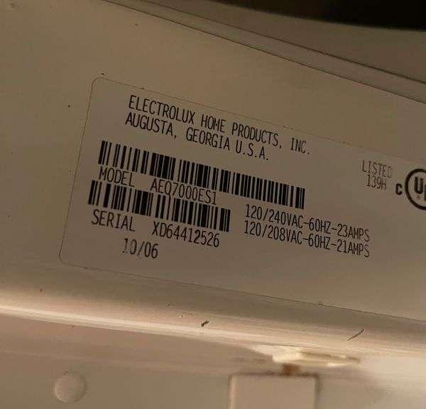 "Frigidiare 27"" Electric Dryer & Pedestal"