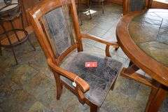 King Metal IND Co. LTD Round Dining Room Table w/ 4 Chairs