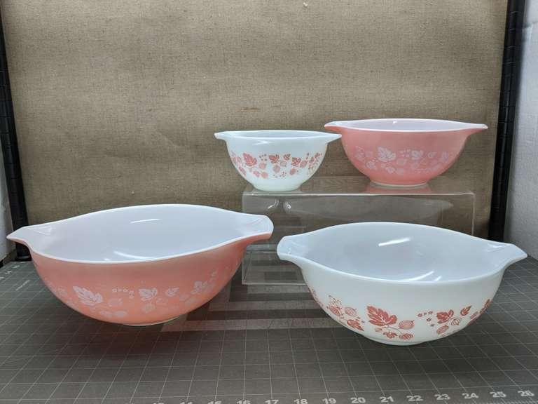 Pink and White Pyrex Nesting Mixing Bowls - Bid On Estates