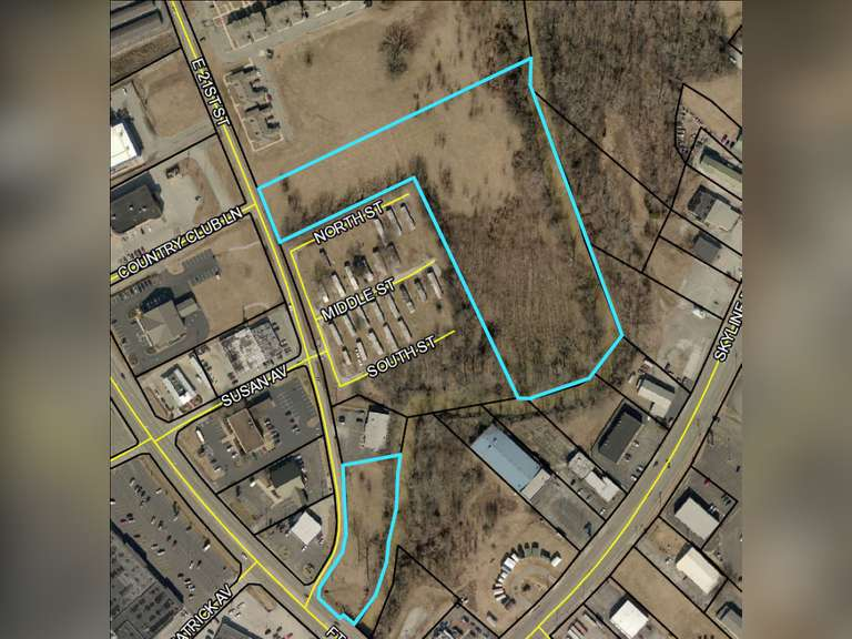 6 +/- ACRES IN HOPKINSVILLE KY