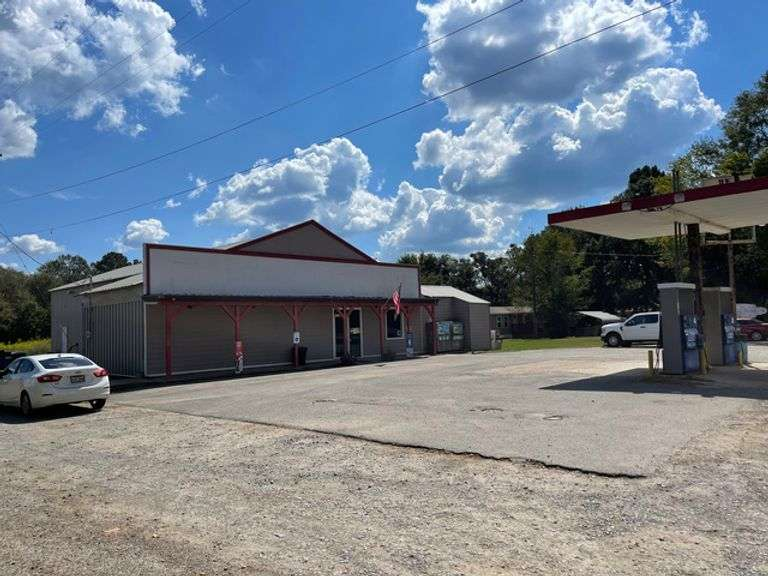 Turnkey Business For Sale at Auction in Keatchie, LA