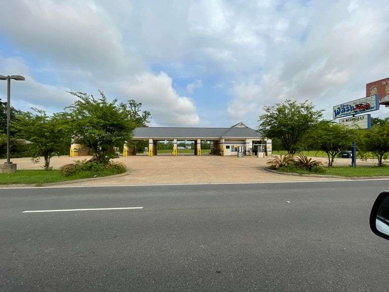 Commercial Real Estate on Masonic Drive For Sale at Online Auction