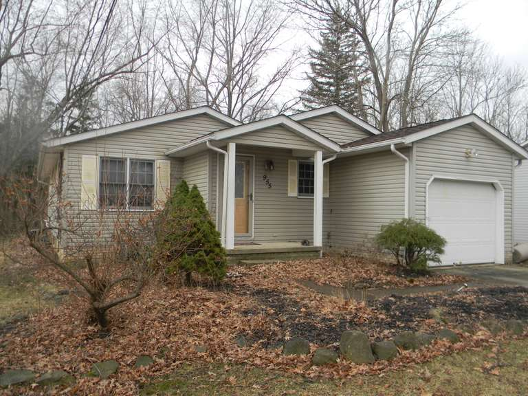 BIDDING CLOSED! ONLINE COURT ORDERED SALE - 10/27/2020 - High Bid $37,000 - 955 East Blvd. Aurora - Portage County