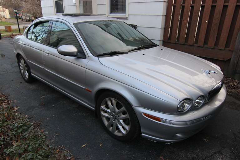 Bidding Closed! 01/27/2021 Online Auction: Complete Contents of Warren Home - Jaguar X-Type, Furnishings, Household, Electronics - Trumbull County