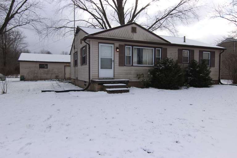 Bidding Closed! 02/15/2021 - High Bid: $56,000 - Online Real Estate Auction: 2-3 Bed, 1 Bath, 1036 SF Home - 288 Towson Dr. NW, Warren - Trumbull County, Champion Twp.