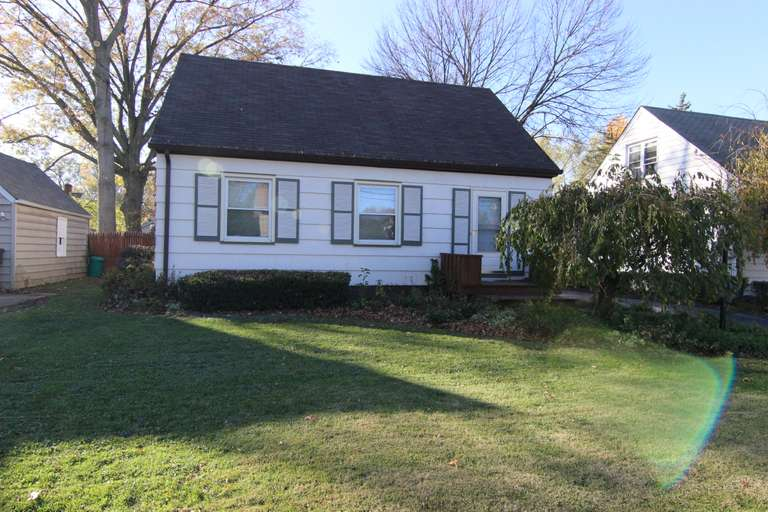 Bidding Closed! 02/23/2021 - High Bid $41,000 - Online Real Estate Auction: 3 Bed, 1.5 Bath Cape Cod - 1016 Willard Ave. SE, Warren, OH