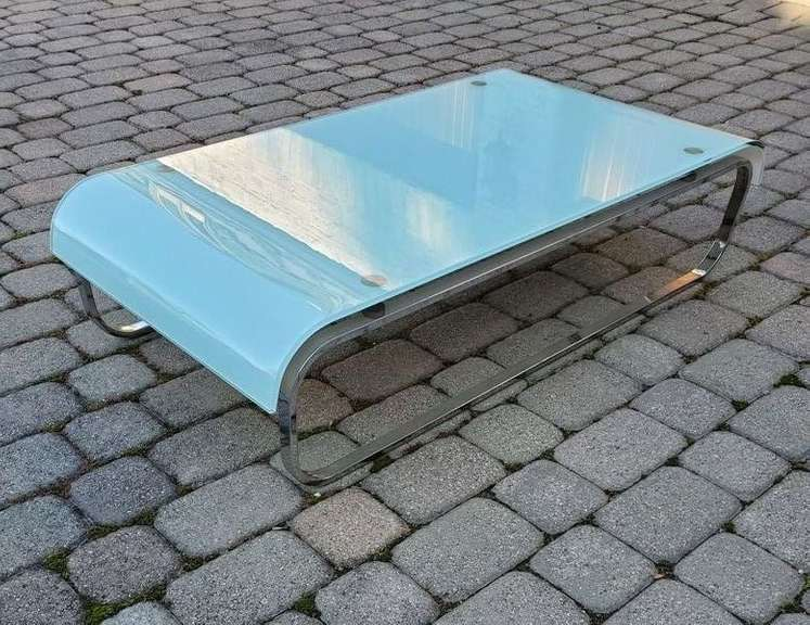 High Gloss Aqua Finish Table