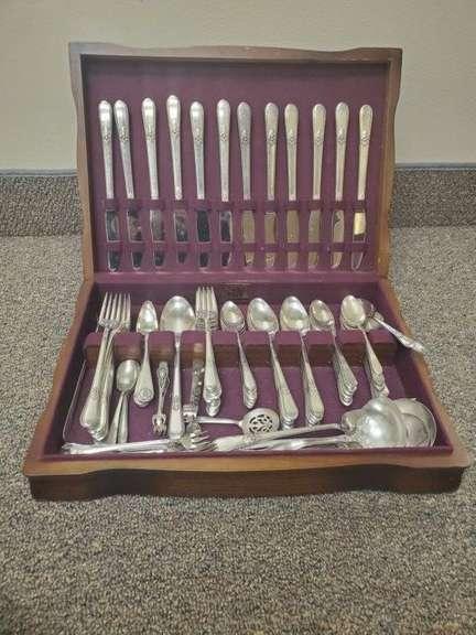 1847 Rogers Bros Silverware Set
