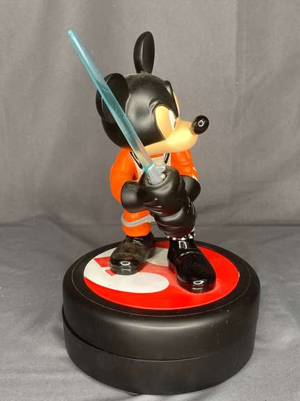 Disney Star Wars Weekend R2MK limited edition, see photos for blemishes