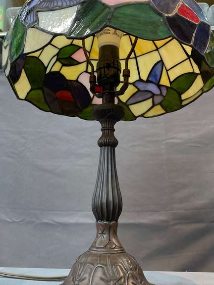 Lamp with stained glass shade, works
