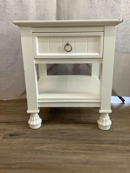 "White End Table with Drawer 19"" x 19"" x 22"""