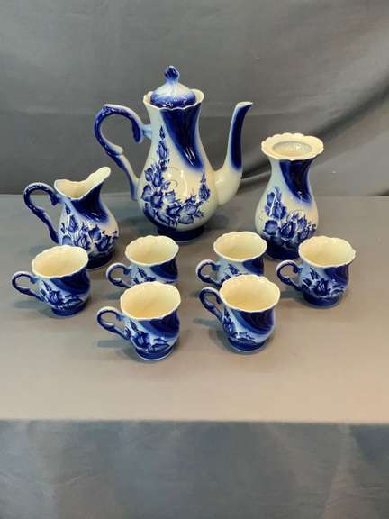Blue and white floral tea set