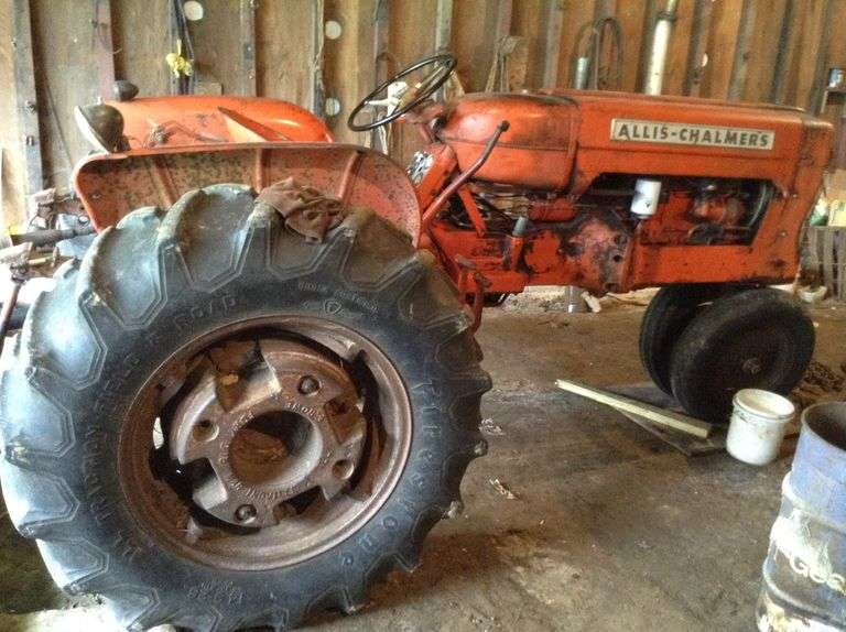 Allis-Chalmers D 15 Tractor, Drawbar   (excludes brush hog and drive line)  (click for more photos)