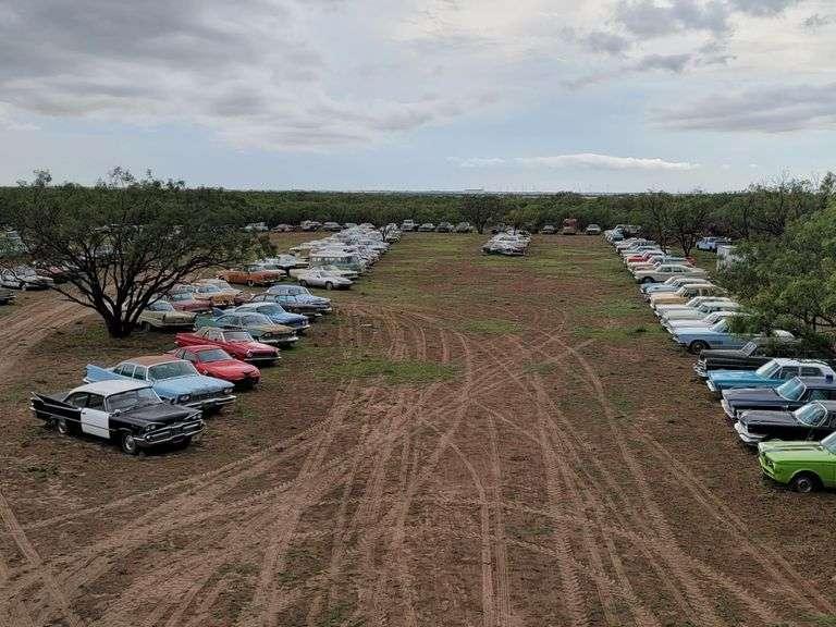 Great Texas MOPAR Vehicle Hoard Auction