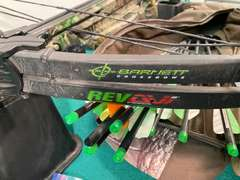 Barnett RevAvi Crossbow w/ Soft Case, Arrows, Holder, & More