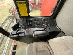 1987 Case IH 1680 Axial Flow Combine w/ 25' Header
