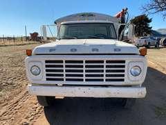 1973 Ford F-600 Grain Truck