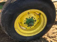 John Deere 122 Heavy Duty Chuck/Feed Wagon