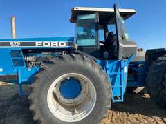 1993 Ford Versatile 876 Tractor