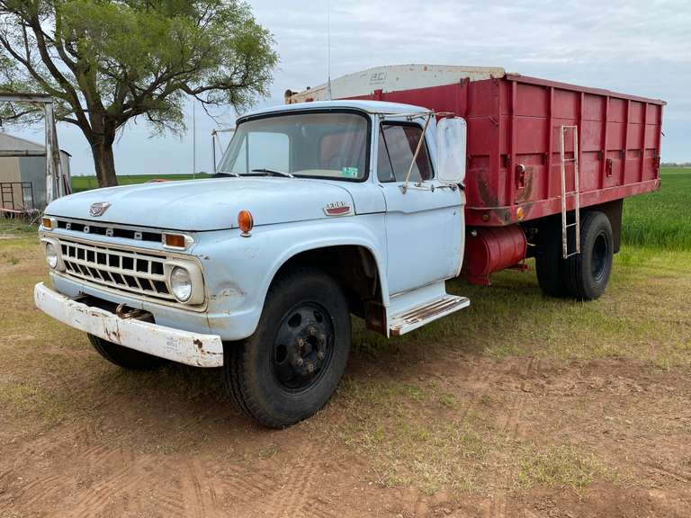 1965 Ford F602 Grain Truck w/ a PTO Driven 16' Dump Bed