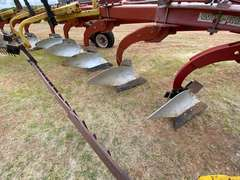 """Wil-Rich 2900 Hinged 18"""" x 10 Bottom Plow w/ New Blades"""