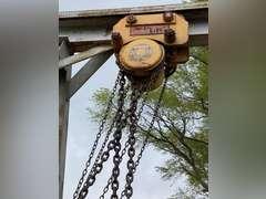 Large Towable Gantry Crane w/ 5 Ton Chain Hoist on Locking Casters