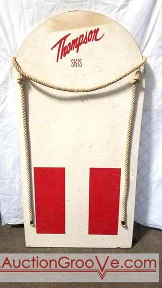 VINTAGE THOMPSON SKIS WOODEN BOOGIE BOARD  with cord handles. 47.5x24. Water skiing, Vintage