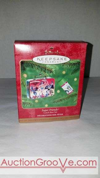 5 Super friends lunch box set Keepsake ornaments by Hallmark. New in box.