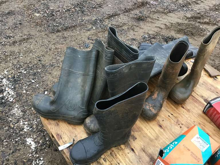 QTY OF MISC WATER BOOTS