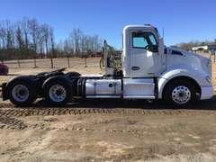 2014 KENWORTH T680 VIN: 1XKYD49X2EJ412554 TANDEM AXLE DAY CAB TRUCK TRACTOR