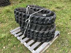 (UNUSED) QTY OF (2) VTRACK RUBBER TRACKS
