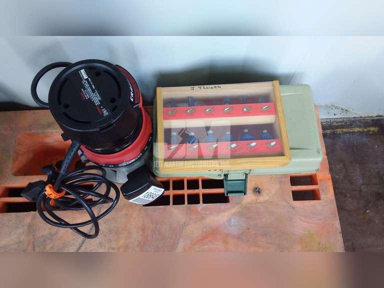 BLACK & DECKER ROUTER ELECTRIC