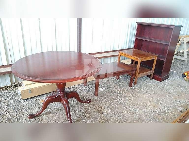 (4) TABLES & (1) BOOKSHELF