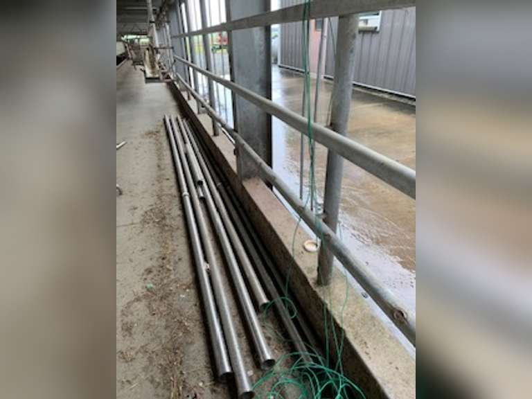 2.5' Stainless steel pipe approximately 120 feet. Please contact Clay Papoi (517) 526-1917 clay.papoi@gmail.com