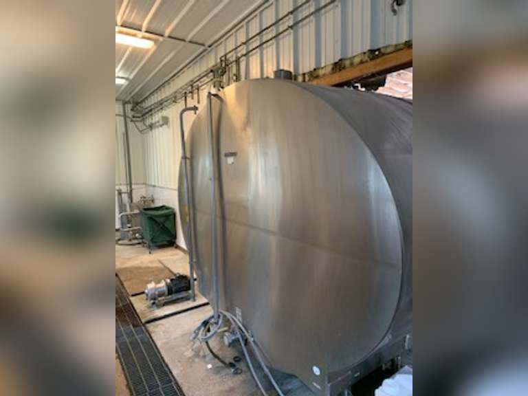 Mueller Bulk Tank 6700 Gallon. Model OH6700  Installed in 2014 discontinued use in spring of 2020. Well maintained, no issues at time of removal. Price includes two 10 horse, 3 phase compressors.   Located in Georgia. For more information please contact:  Clay Papoi (517) 526-1917 clay.papoi@gmail.com