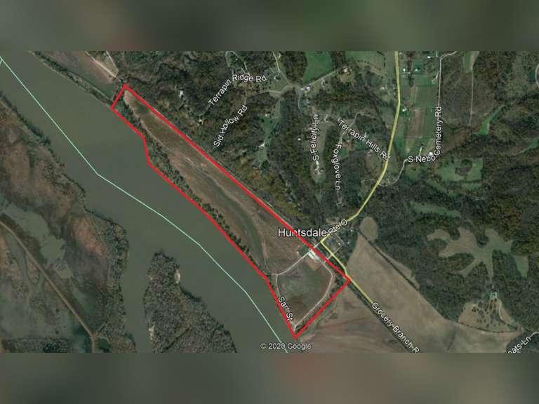 Boone County- 166 acres at Katfish Katy's near Huntsdale