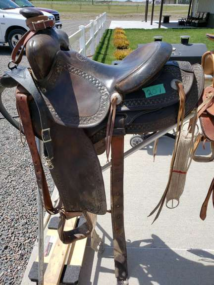 """Connolly's saddle, 16"""", Martindale"""