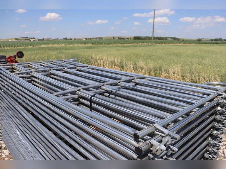 """New 10x5ft. portable corral panels, easy Connect, 1 1/4"""", 14 Gauge Tubing, 80lbs A Panel, sold 10 x bid"""