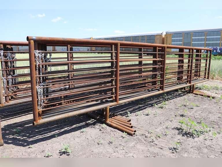 6 - 24FT. Free Standing Panels, Sold 6 X Bid
